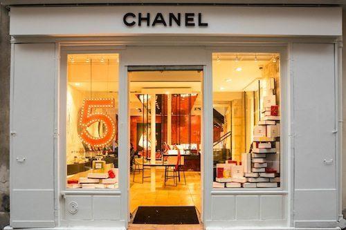 nouvelle adresse parisienne chanel beaut dans le marais. Black Bedroom Furniture Sets. Home Design Ideas