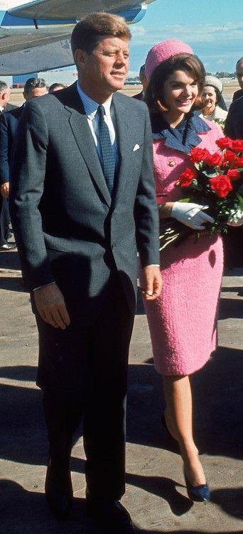 Jackie Kennedy tailleur rose Chanel Esprit de Gabrielle jeronimodiparigi-dev-esprit-de-gabrielle.pf1.wpserveur.net