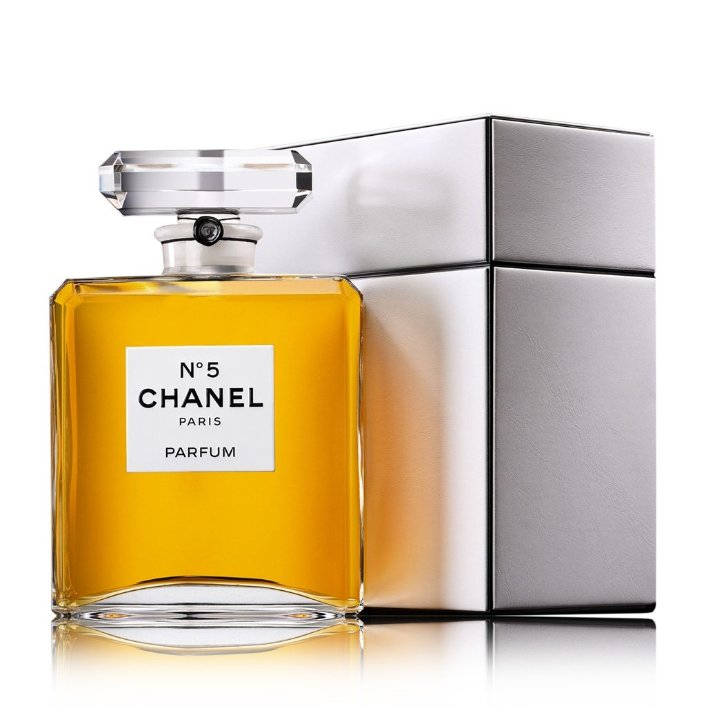 les parfums cr es par la maison chanel. Black Bedroom Furniture Sets. Home Design Ideas
