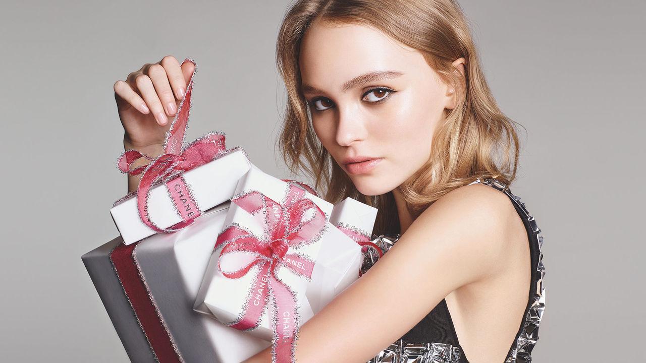 CHANEL Holiday 2016 Lily-Rose Depp Esprit de Gabrielle espritdegabrielle.com