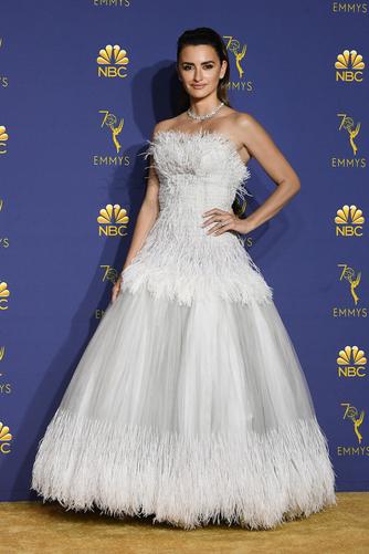 Penelope Cruz Emmy Awards 2018 CHANEL Esprit de Gabrielle espritdegabrielle.com