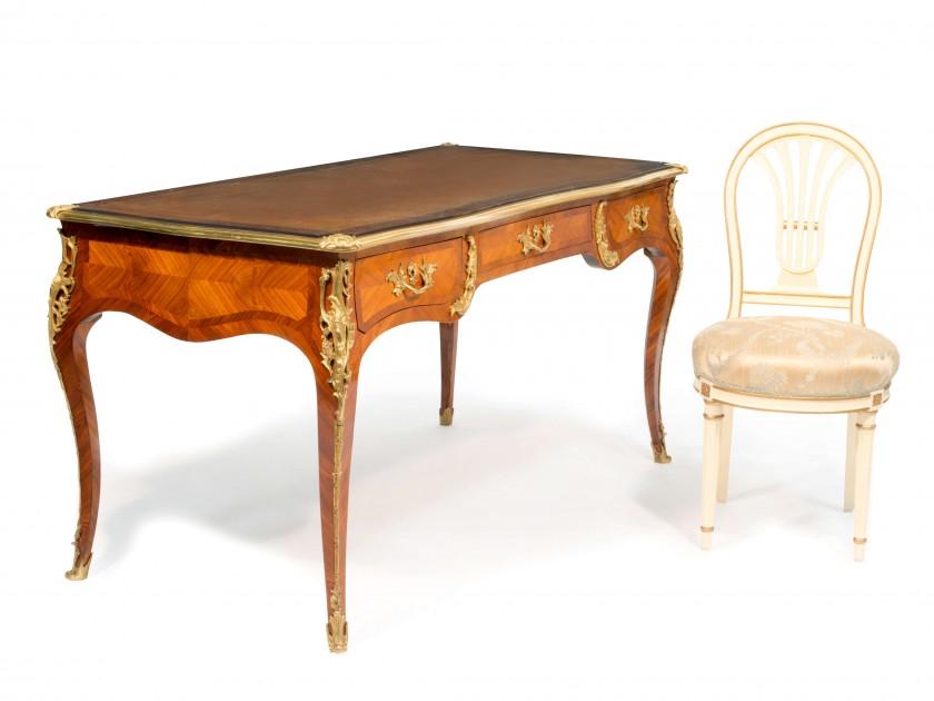 Bureau et chaise Louis XV suite Coco Chanel vente enchères Ritz Esprit de Gabrielle espritdegabrielle.com