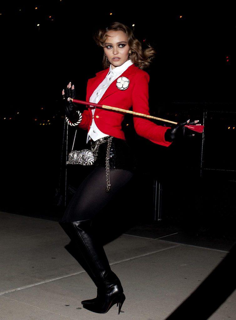 Lily Rose Depp Chanel V magazine Halloween Esprit de Gabrielle espritdegabrielle.com
