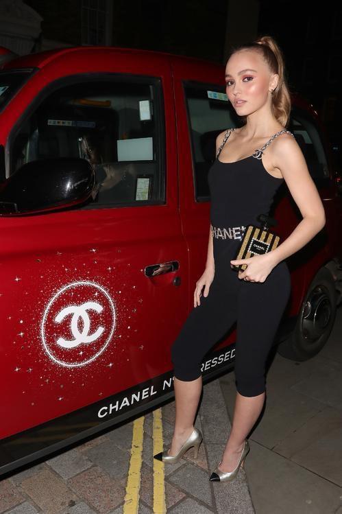 CHANEL N°5 Red Edition Lily-Rose Depp Esprit de Gabrielle espritdegabrielle.com