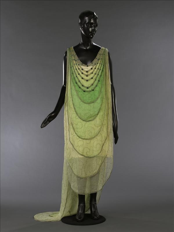 Robe du soir de Madeleine Vionnet 1924 Esprit de Gabrielle espritdegabrielle.com