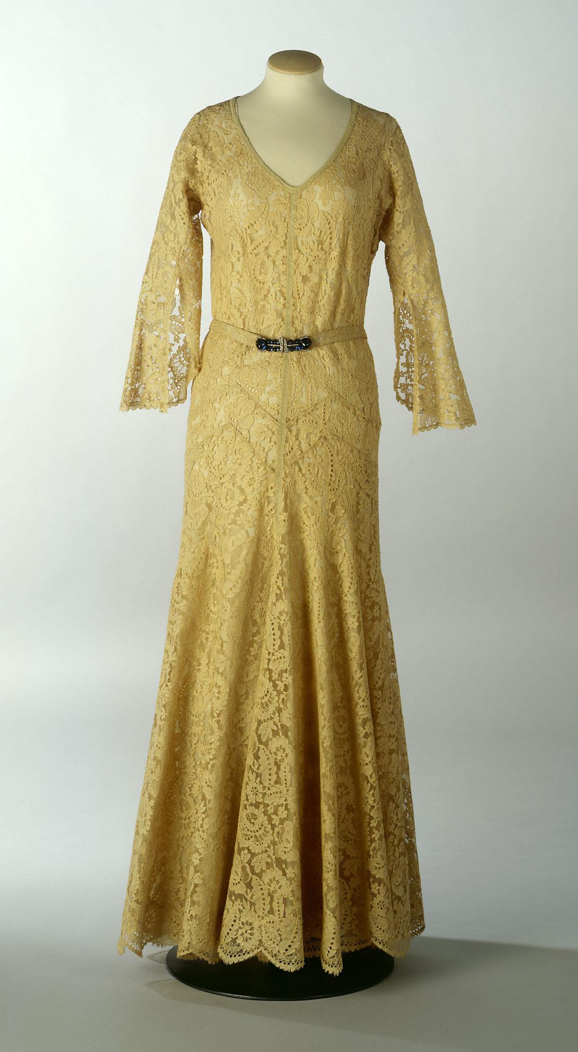 Robe du soir Chanel vers 1938 Esprit de Gabrielle espritdegabrielle.com