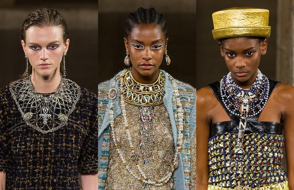 71700c360bd9b3 CHANEL Métiers d art Paris New-York Bijoux Les maxi colliers plastrons  Esprit de