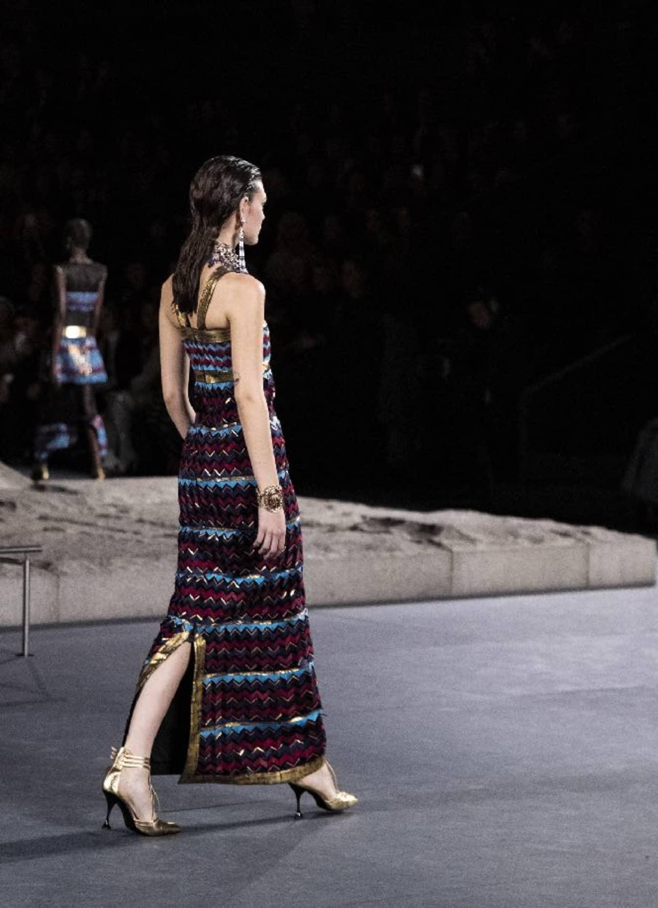 CHANEL Métiers d'art Paris New York Marqueterie de plumes Esprit de Gabrielle espritdegabrielle.com