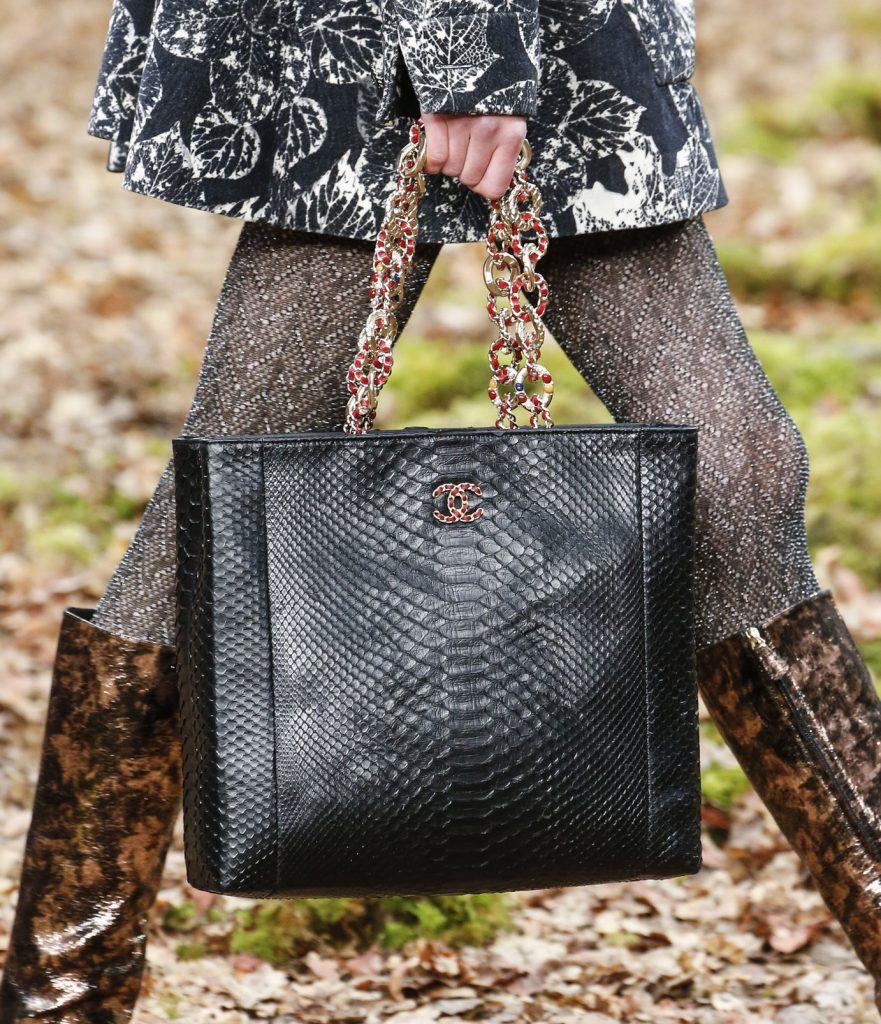 CHANEL Sac en python Esprit de Gabrielle espritdegabrielle.com
