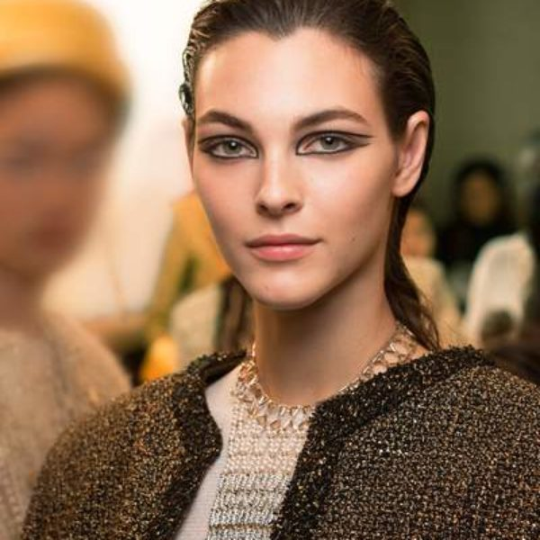 Le maquillage du défile CHANEL Métiers d'art Paris-New York