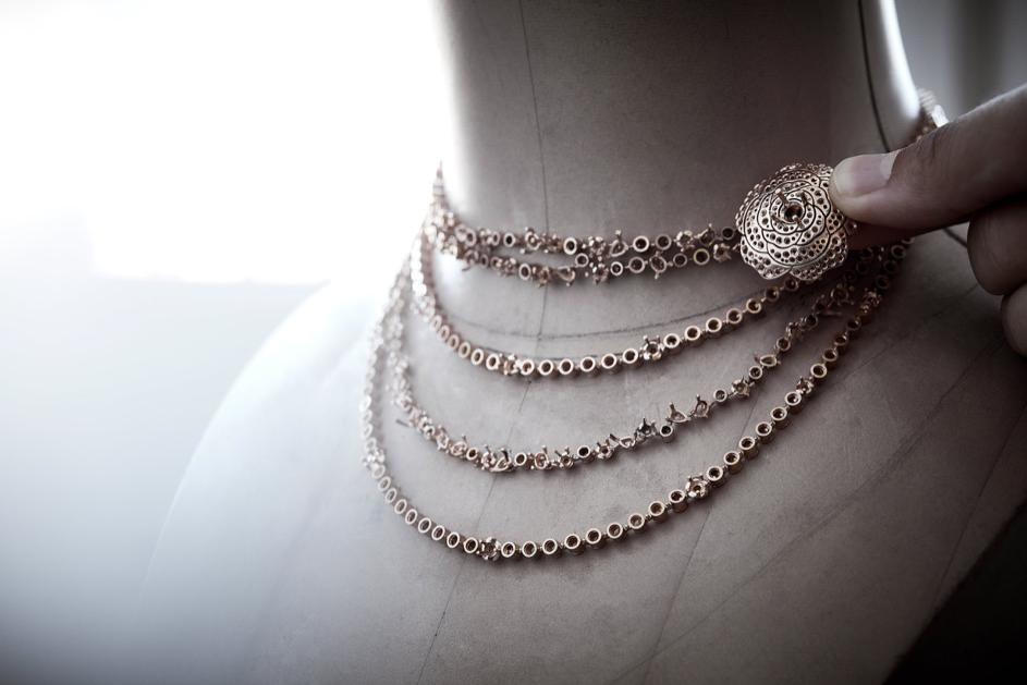 CHANEL Haute Joaillerie collier Rose Poudré Esprit de Gabrielle espritdegabrielle.com