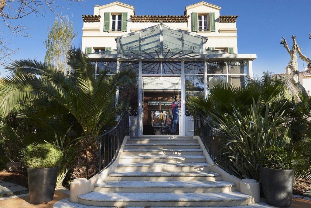 CHANEL ouvre les portes de sa boutique saisonnière à Saint-Tropez