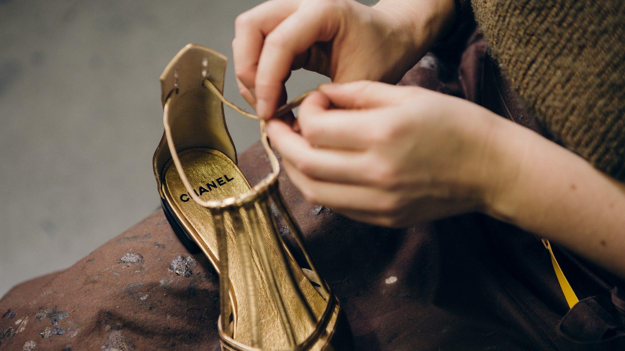 CHANEL Métiers d'Art Paris New York chaussures dorées Massaro Esprit de Gabrielle espritdegabrielle.com
