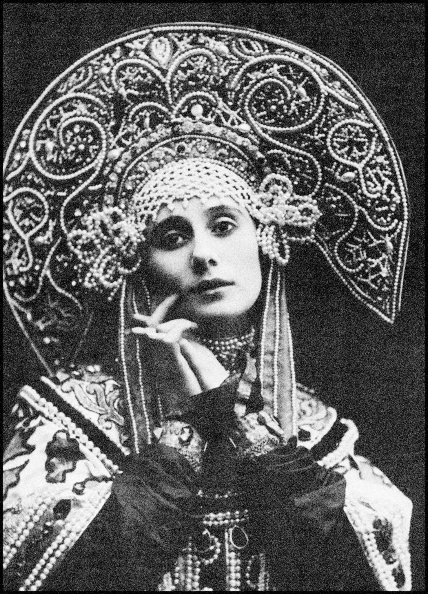 Anna Pavlova Esprit de Gabrielle espritdegabrielle.com