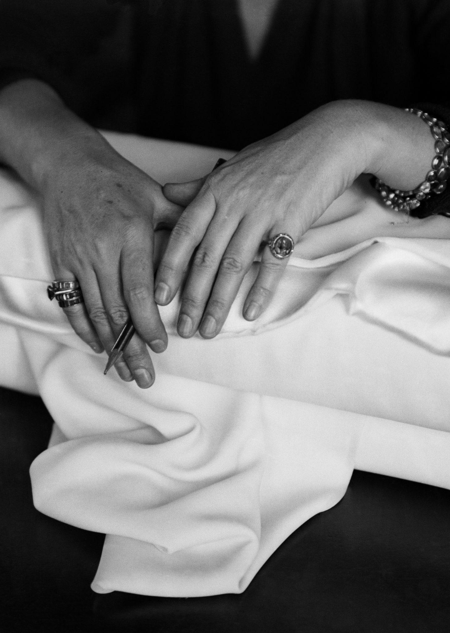 Les mains de Gabrielle Chanel Esprit de Gabrielle espritdegabrielle.com