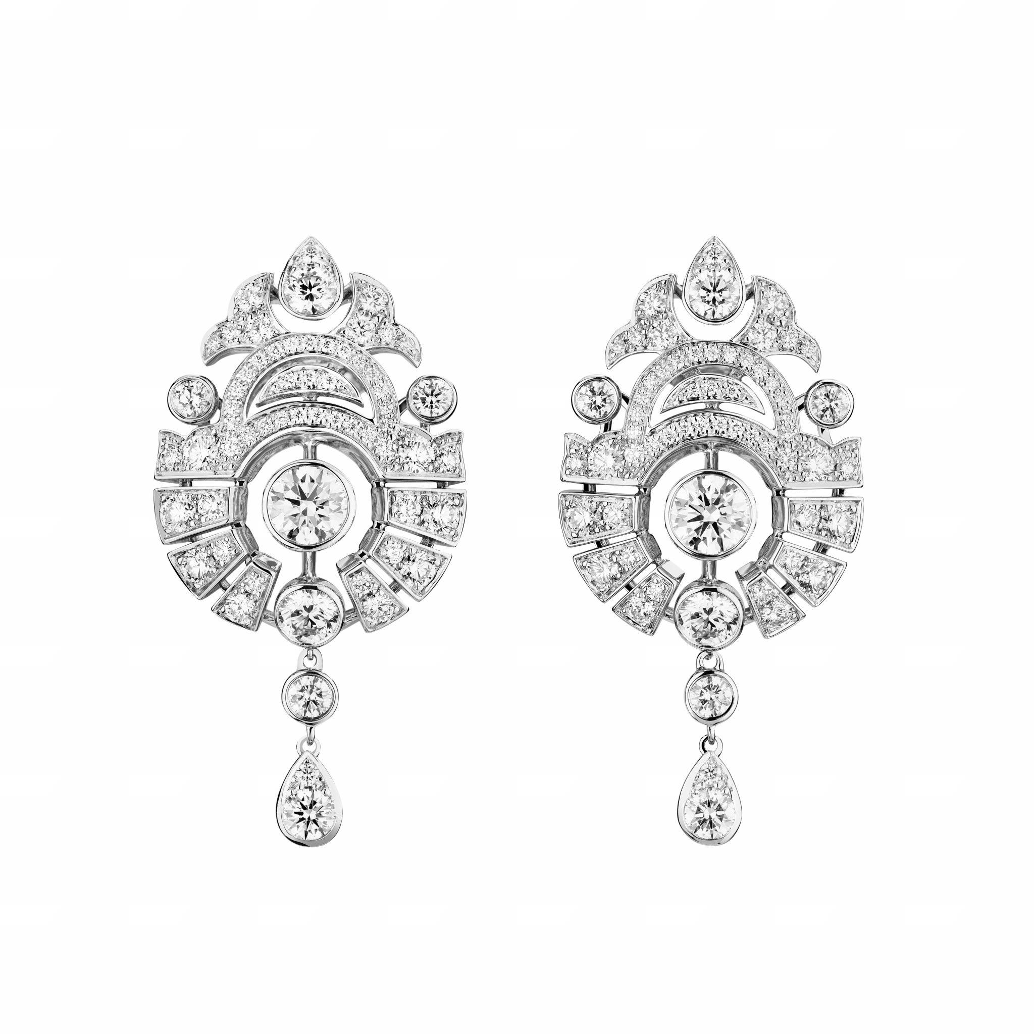 Motif Russe earrings CHANEL Esprit de Gabrielle espritdegabrielle.com