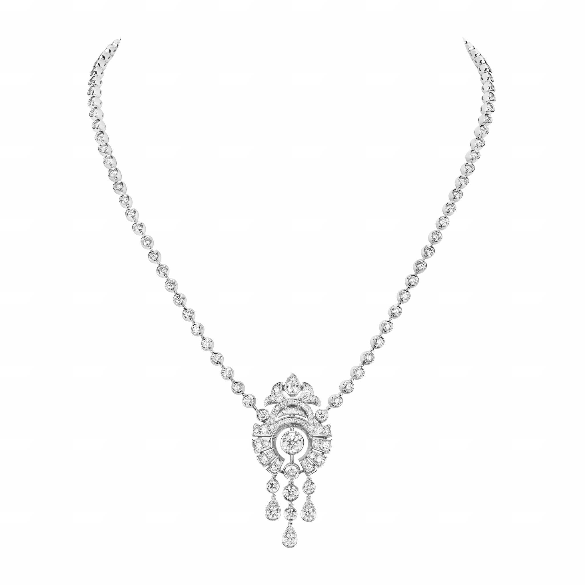 Motif Russe necklace CHANEL Esprit de Gabrielle espritdegabrielle.com