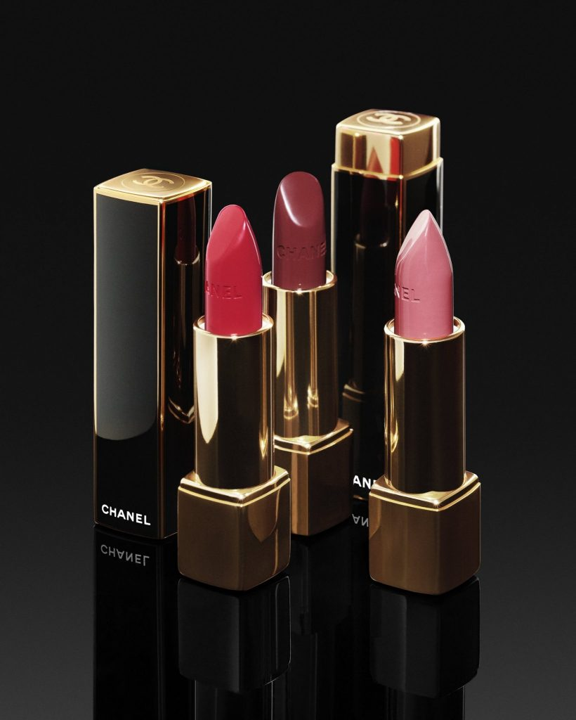 La Collection Makeup Holiday 2019 Les Ornements De Chanel