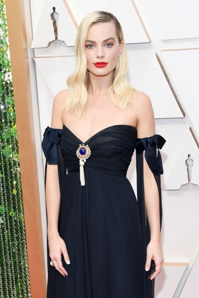 CHANEL Margot Robbie Oscars 2020 Esprit de Gabrielle espritdegabrielle.com