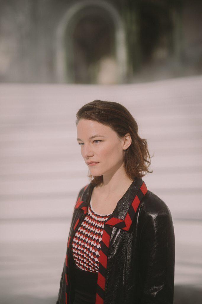 Valerie_PACHNER_CHANEL_Défilé_RTW_Fall_Winter_20_21_Show Esprit de Gabrielle espritdegabrielle.com