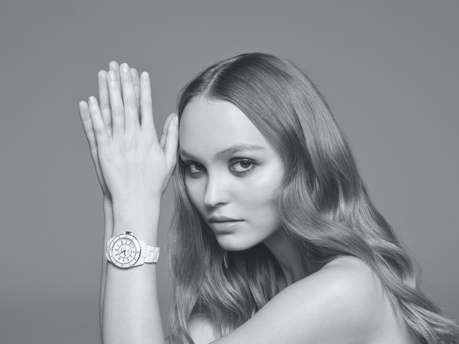 La montre CHANEL J12 a 20 ans Lily Rose Depp Esprit de Gabrielle espritdegabrielle.com
