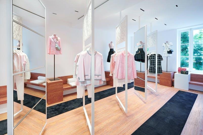 CHANEL Boutique Saint-Tropez 2020 Esprit de Gabrielle espritdegabrielle.com