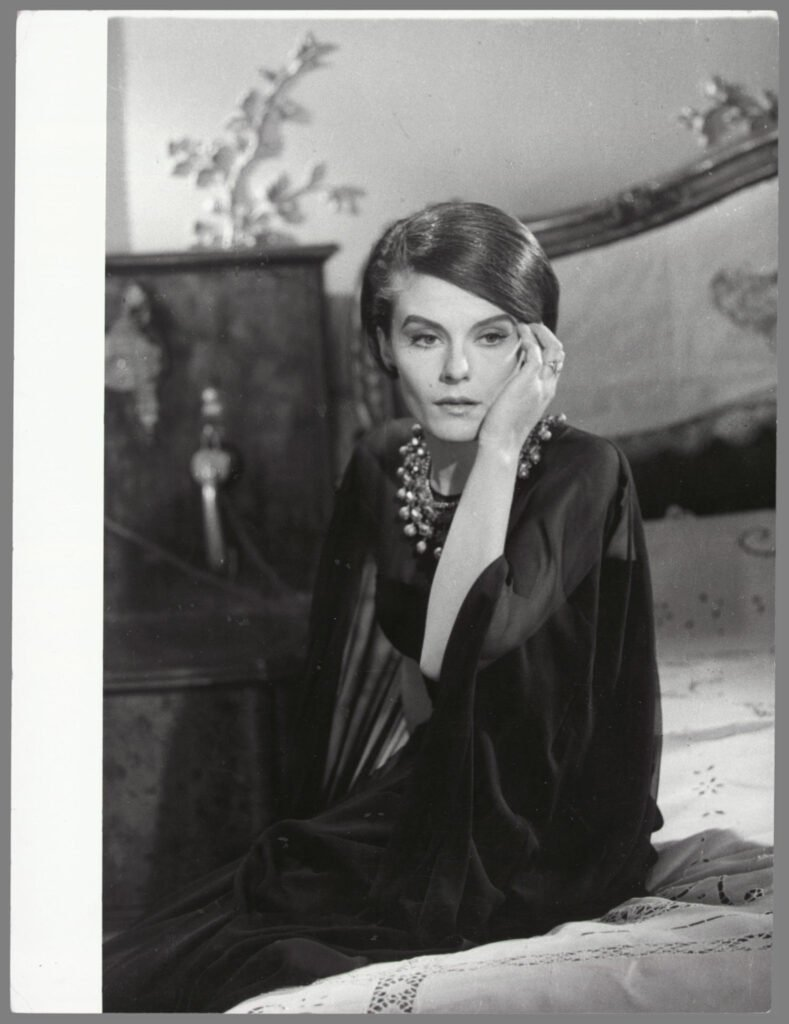 CHANEL et le cinéma 1961 Delphine Seyrig L'année dernière à Marienbad Esprit de Gabrielle espritdegabrielle.com