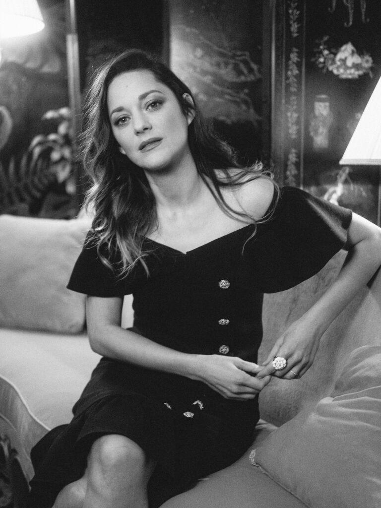 CHANEL et le cinéma 2019 Marion COTILLARD CHANEL Metiers d'art 2019-20 Esprit de Gabrielle espritdegabrielle.com