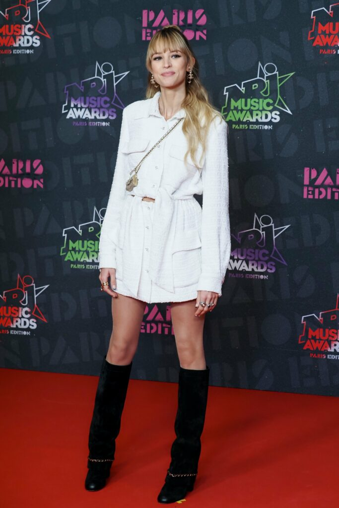 CHANEL Angele NRJ MUSIC AWARDS 2020 Esprit de Gabrielle espritdegabrielle.com