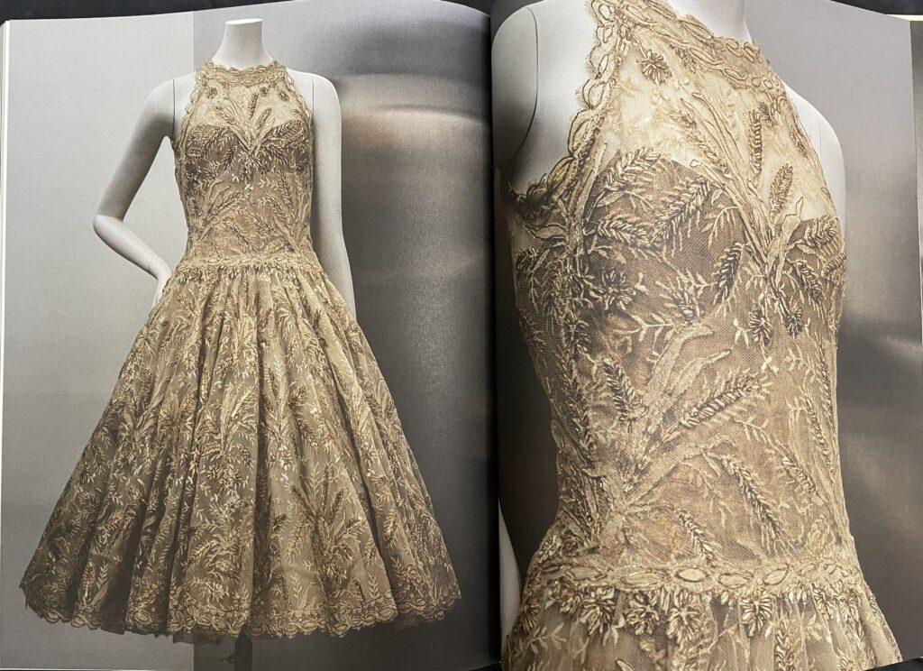 Catalogue Gabrielle Chanel Manifeste de mode Palais Galliera Esprit de Gabrielle espritdegabrielle.com