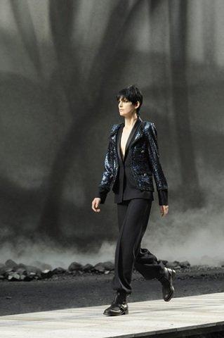 Stella Tennant CHANEL prêt-à-porter automne-hiver 2011-12 Esprit de Gabrielle espritdegabrielle.com
